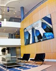 Digital-Signage-Lobby